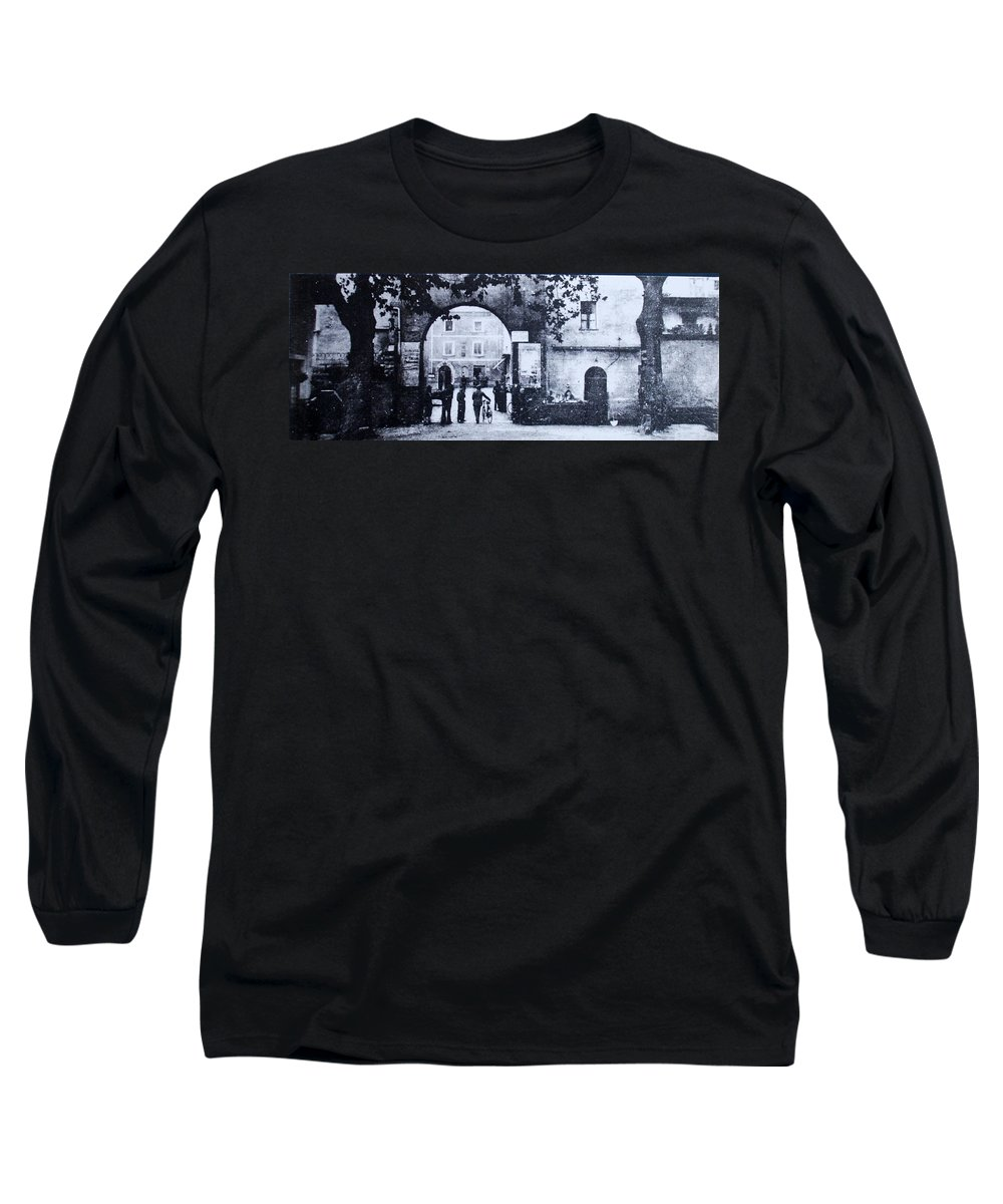 Tuscany Long Sleeve T-Shirt featuring the photograph Villafranca by Kurt Hausmann