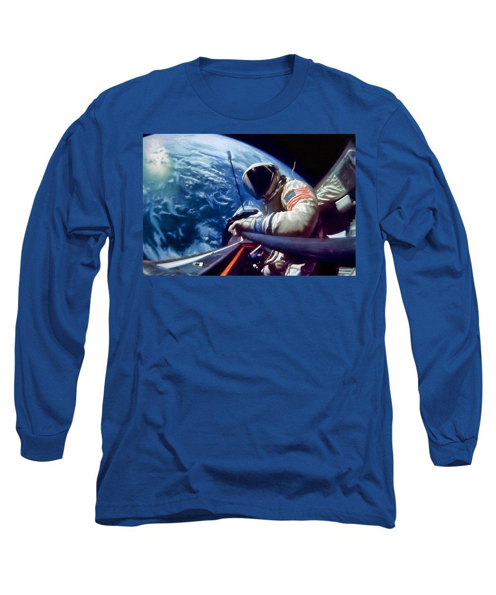 Gemini Flight Long Sleeve T-Shirt featuring the digital art Selfie Buzz Aldrin by Peter Chilelli
