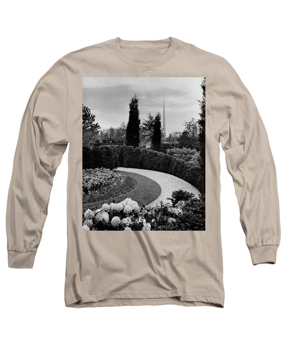 Garden Long Sleeve T-Shirt featuring the photograph A Bobbink & Atkins Garden by Ben Schnall