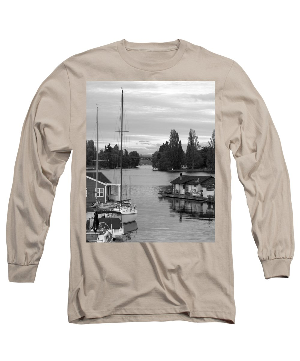 Houseboat Photographs Long Sleeve T-Shirts