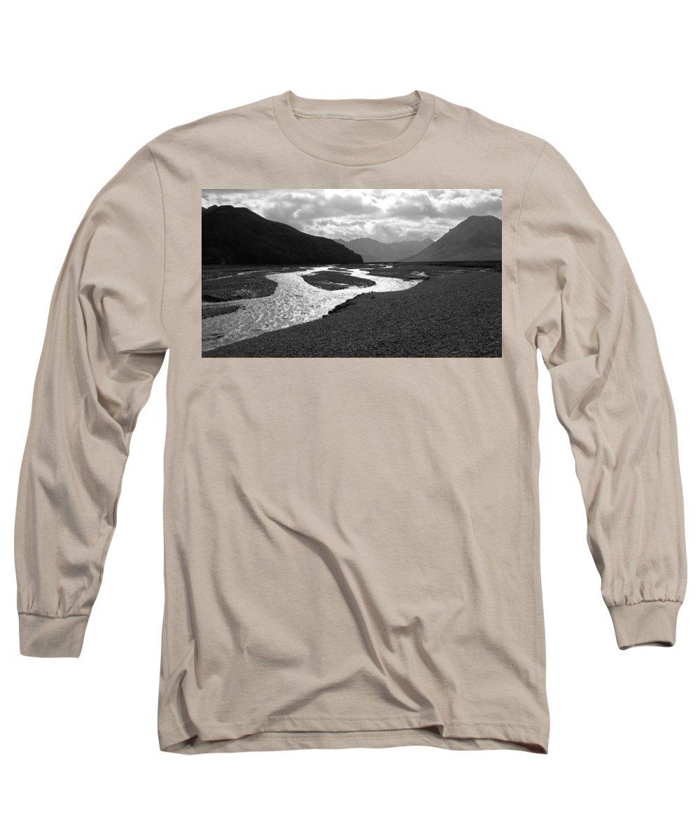 Alaska Long Sleeve T-Shirt featuring the photograph Denali National Park 5 by Dick Goodman