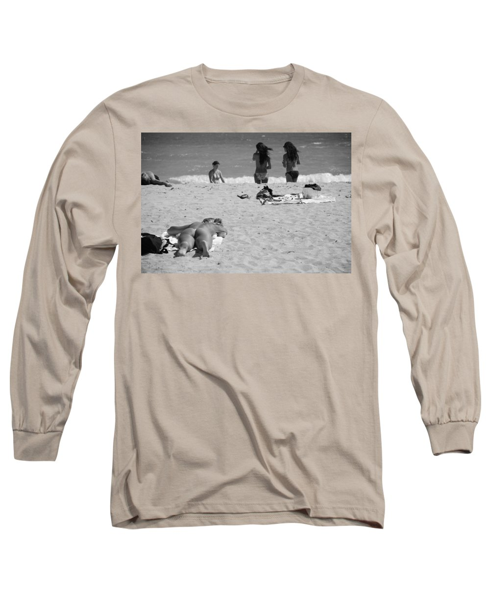 Miami Long Sleeve T-Shirt featuring the photograph Half Dead Half Alive by Rob Hans