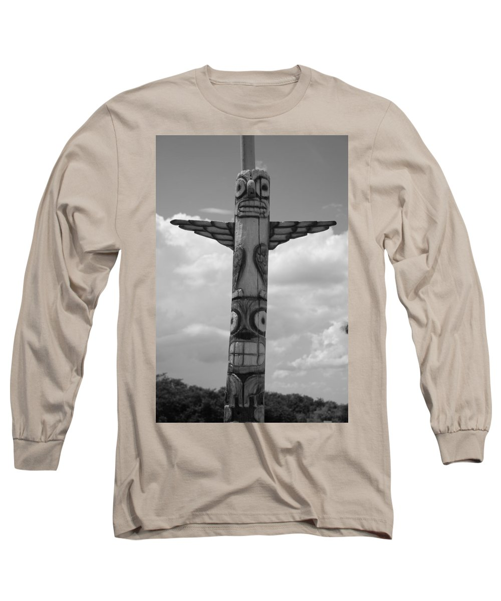 Black And White Long Sleeve T-Shirt featuring the photograph Totum by Rob Hans