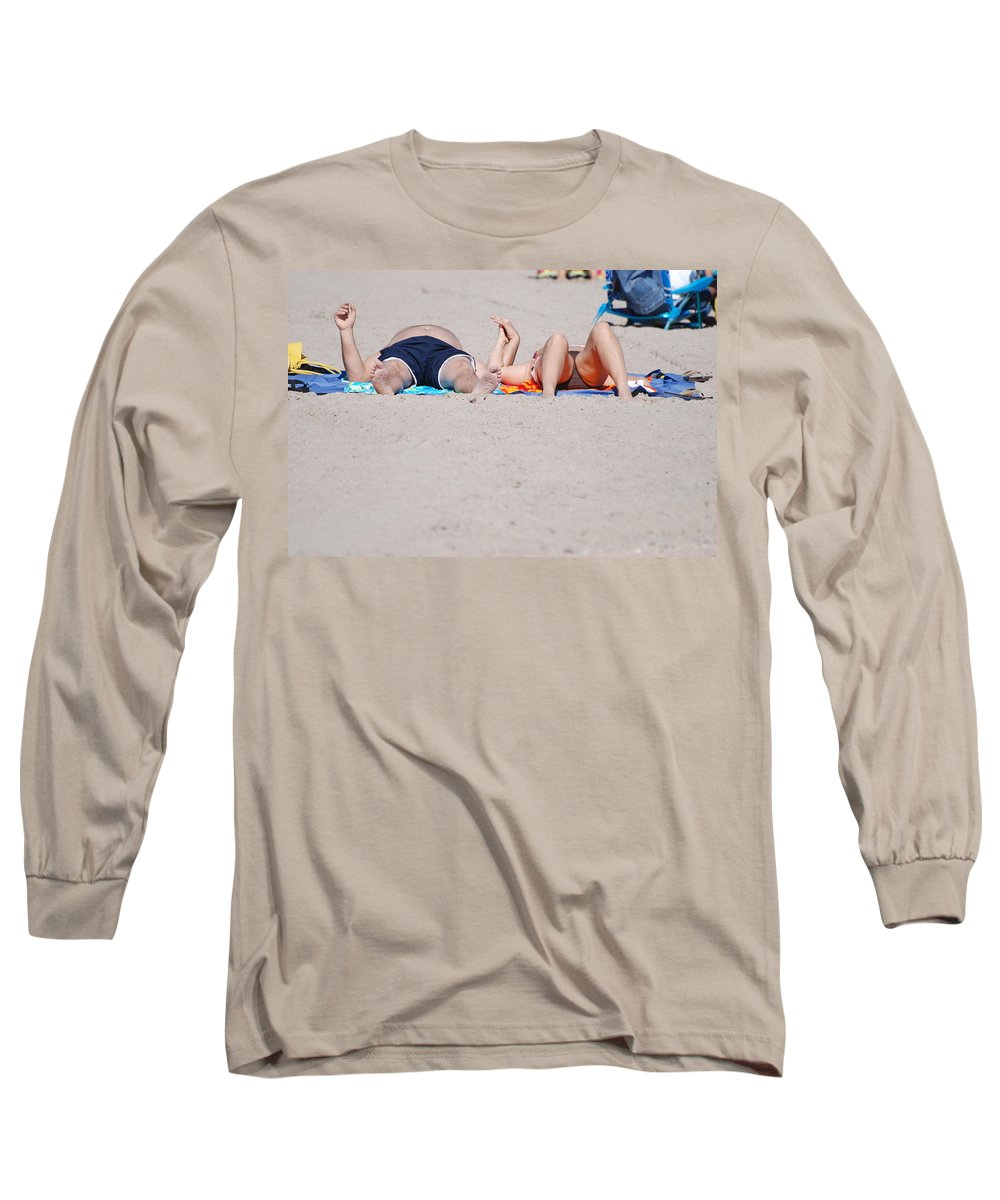 People Long Sleeve T-Shirt featuring the photograph Views At The Beach by Rob Hans
