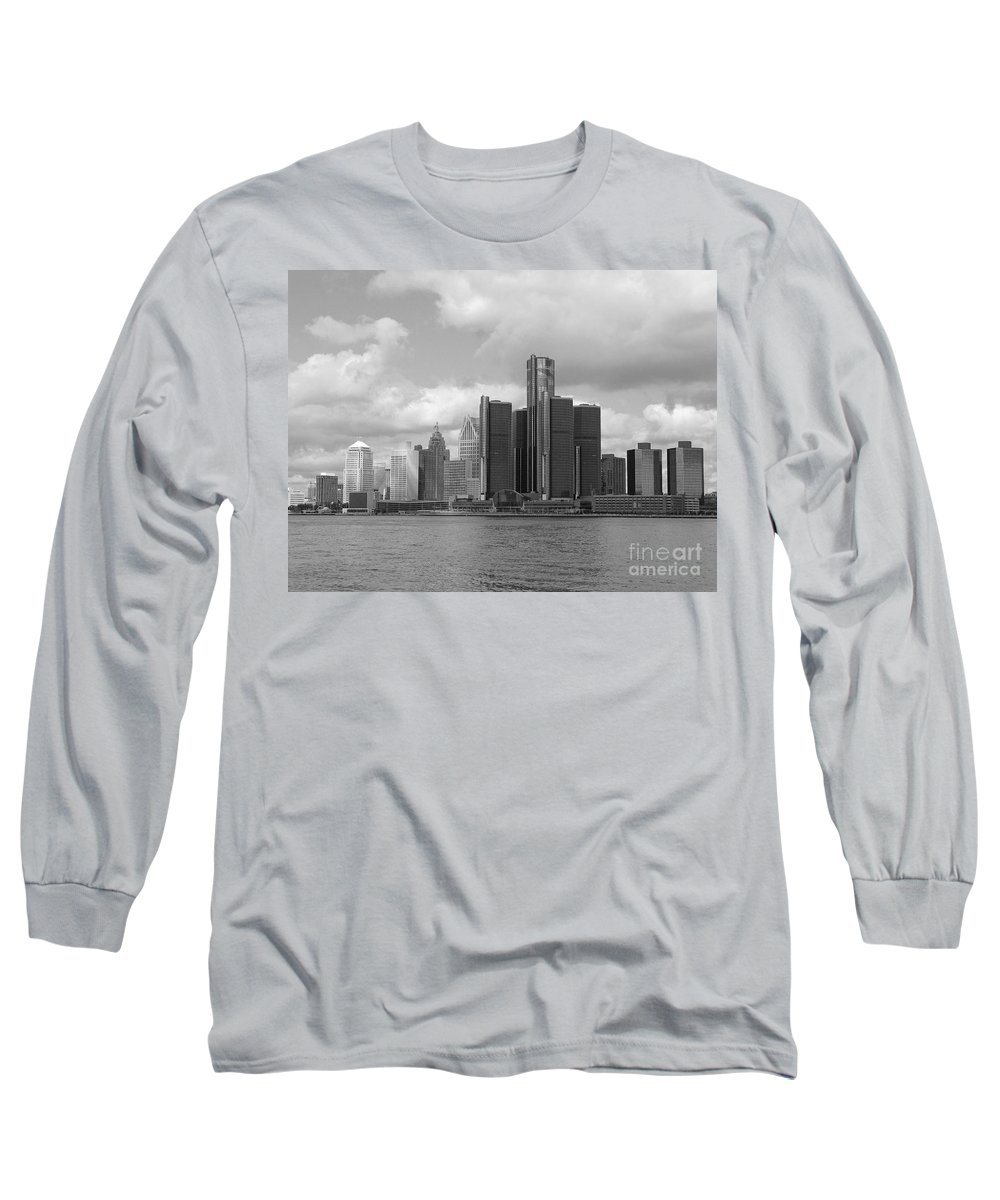 Detroit Long Sleeve T-Shirt featuring the photograph Detroit Skyscape by Ann Horn