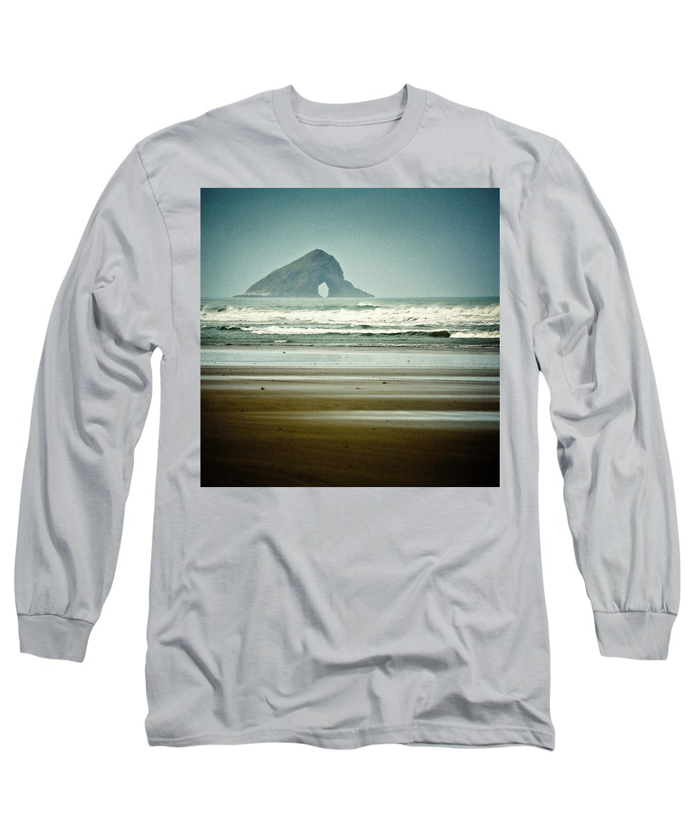 Seascape Long Sleeve T-Shirt featuring the photograph Ninety Mile Beach by Dave Bowman