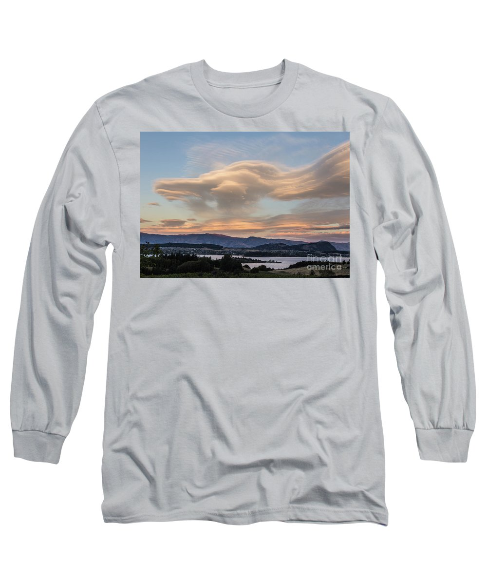 New Zealand Long Sleeve T-Shirt featuring the photograph Sunset Over Lake Wanaka by Didier Marti