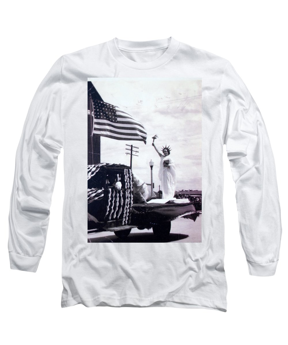 4th Of July Long Sleeve T-Shirt featuring the photograph Lady Liberty by Kurt Hausmann