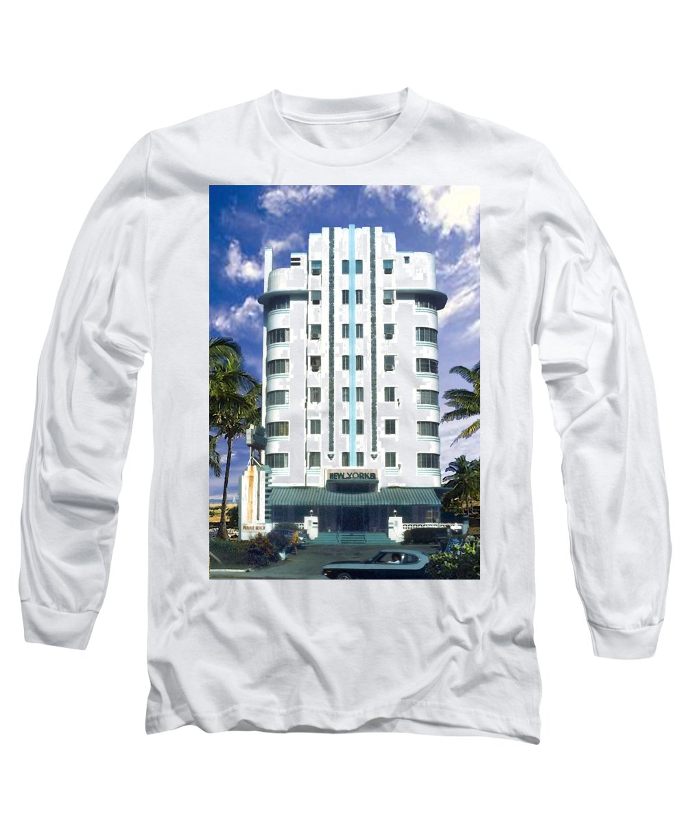 Miami Long Sleeve T-Shirt featuring the photograph The New Yorker by Steve Karol