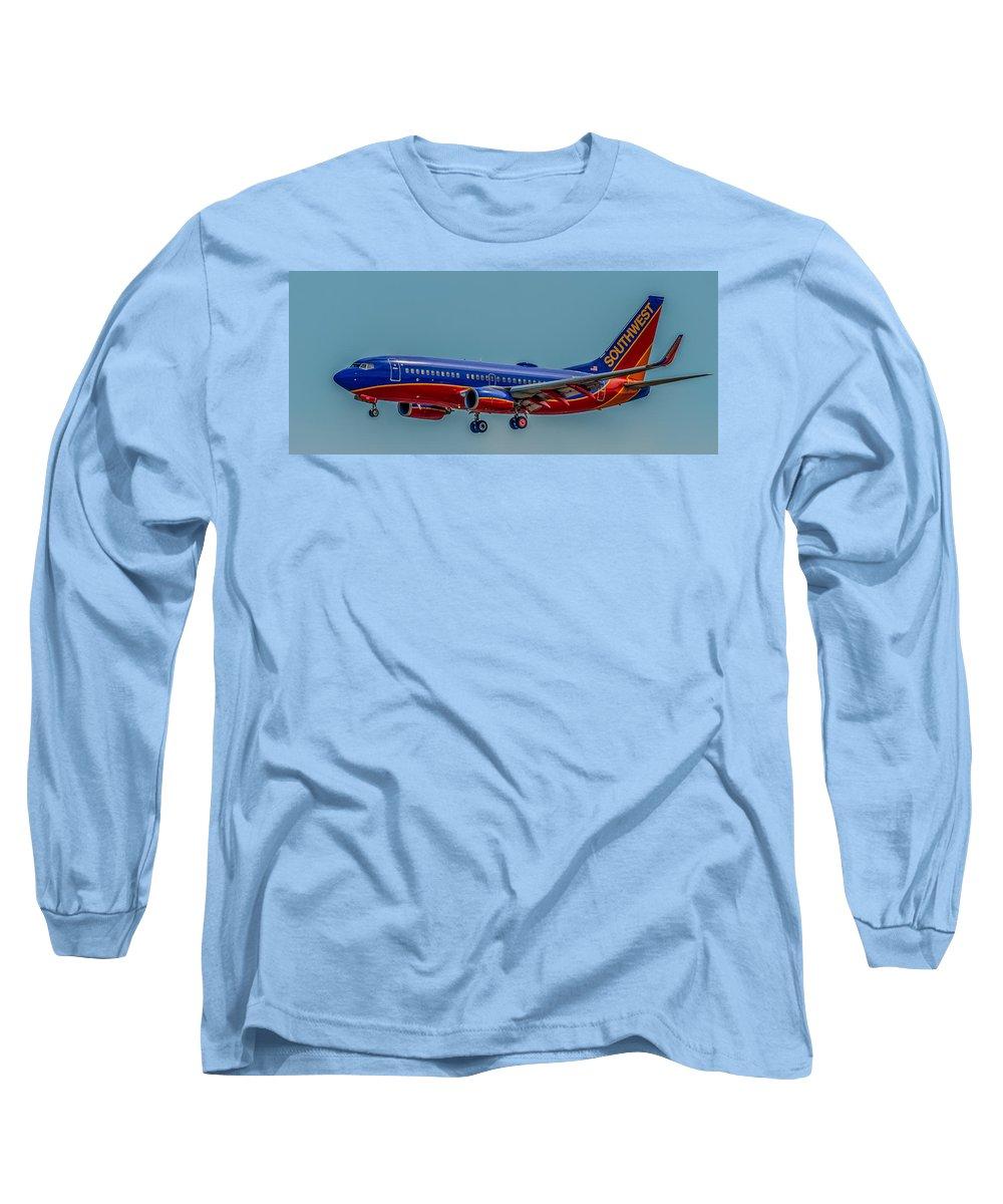 Plane Long Sleeve T-Shirt featuring the photograph Southwest 737 Landing by Paul Freidlund