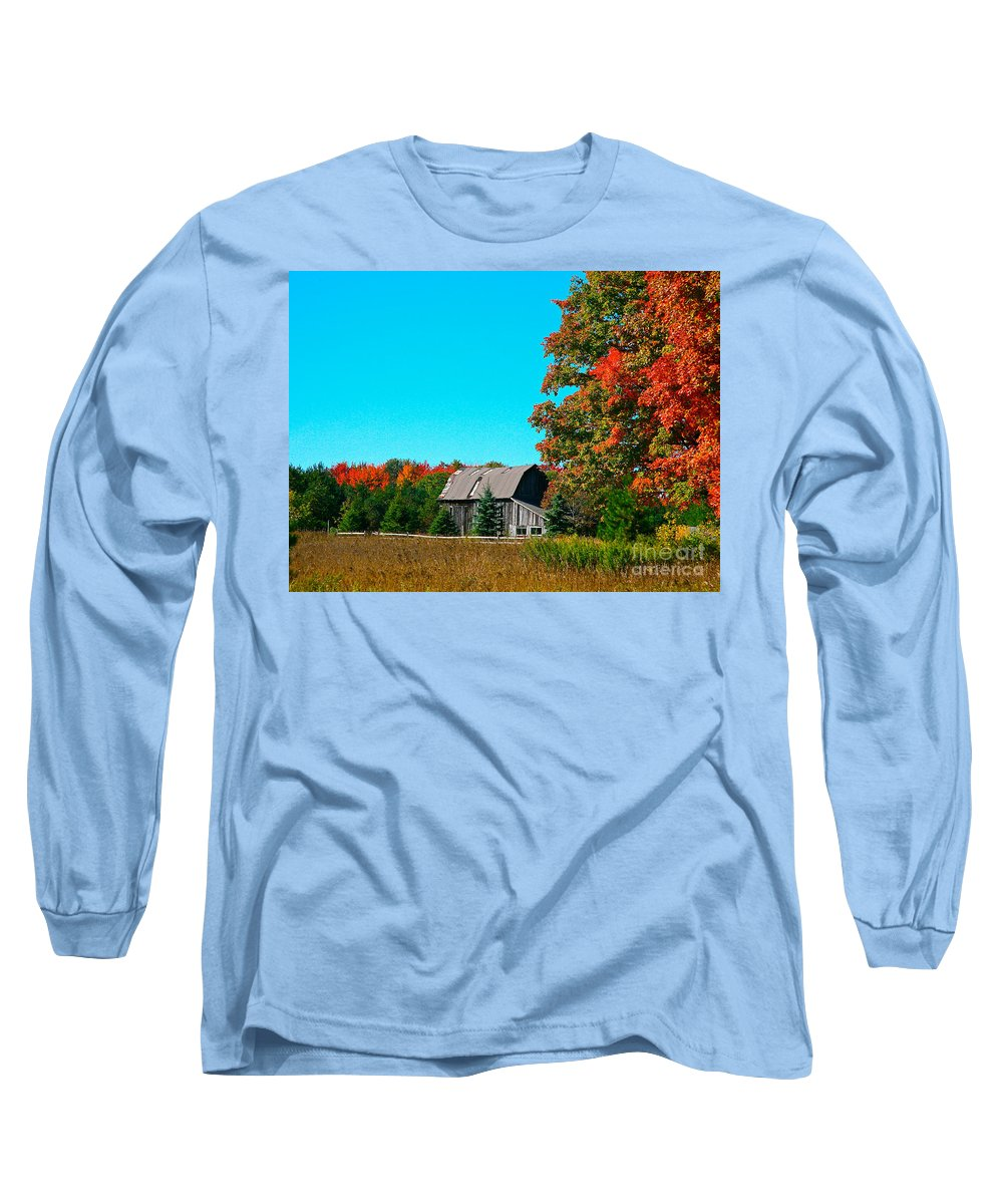 Old Barn Long Sleeve T-Shirt featuring the photograph Old Barn In Fall Color by Robert Pearson