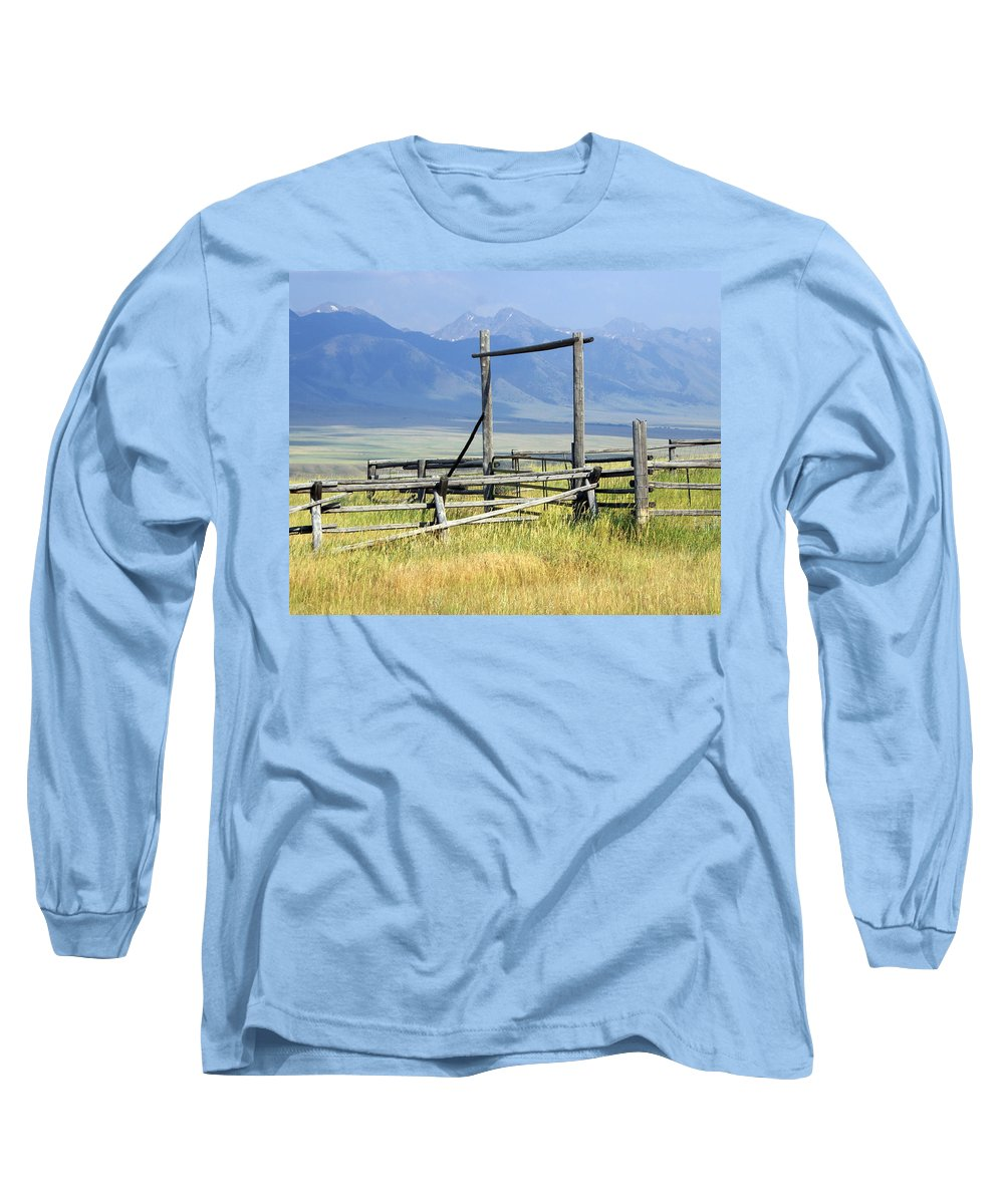 Mountains Long Sleeve T-Shirt featuring the photograph Don't Fence Me In by Marty Koch