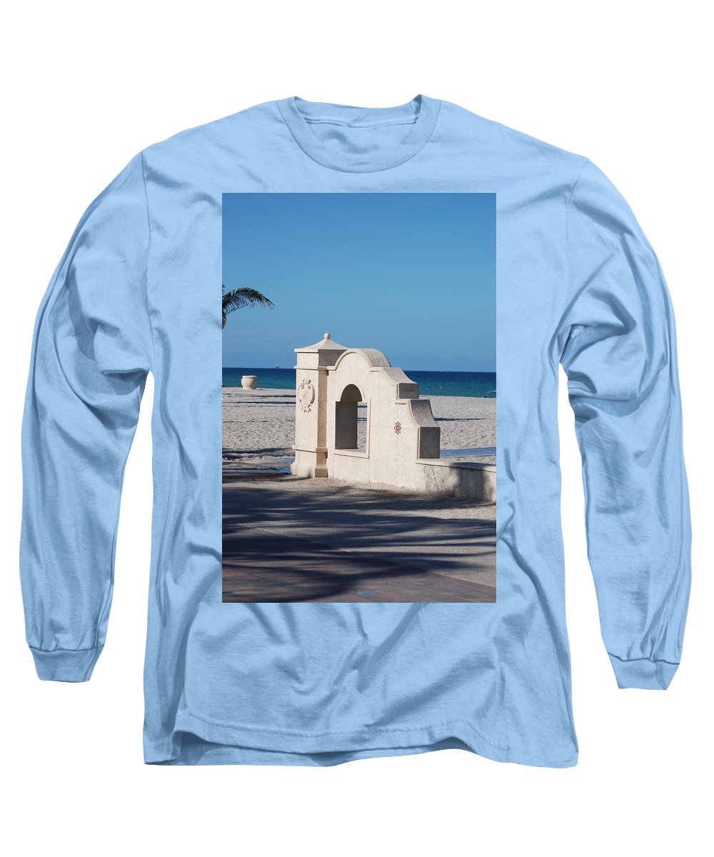 Beach Long Sleeve T-Shirt featuring the photograph Hollywood Beach Wall In Color by Rob Hans