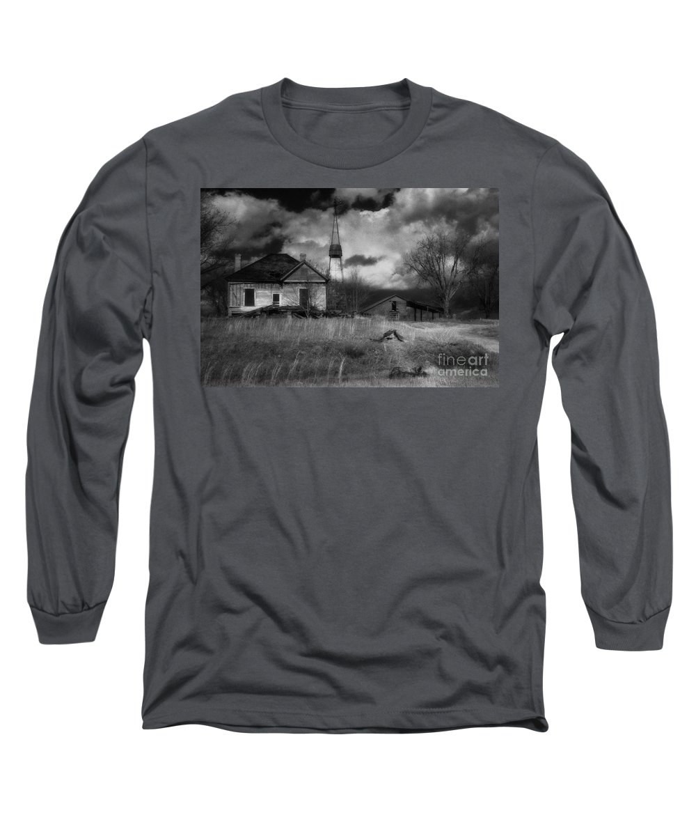 Farms Long Sleeve T-Shirt featuring the photograph Old Georgia Farm by Richard Rizzo