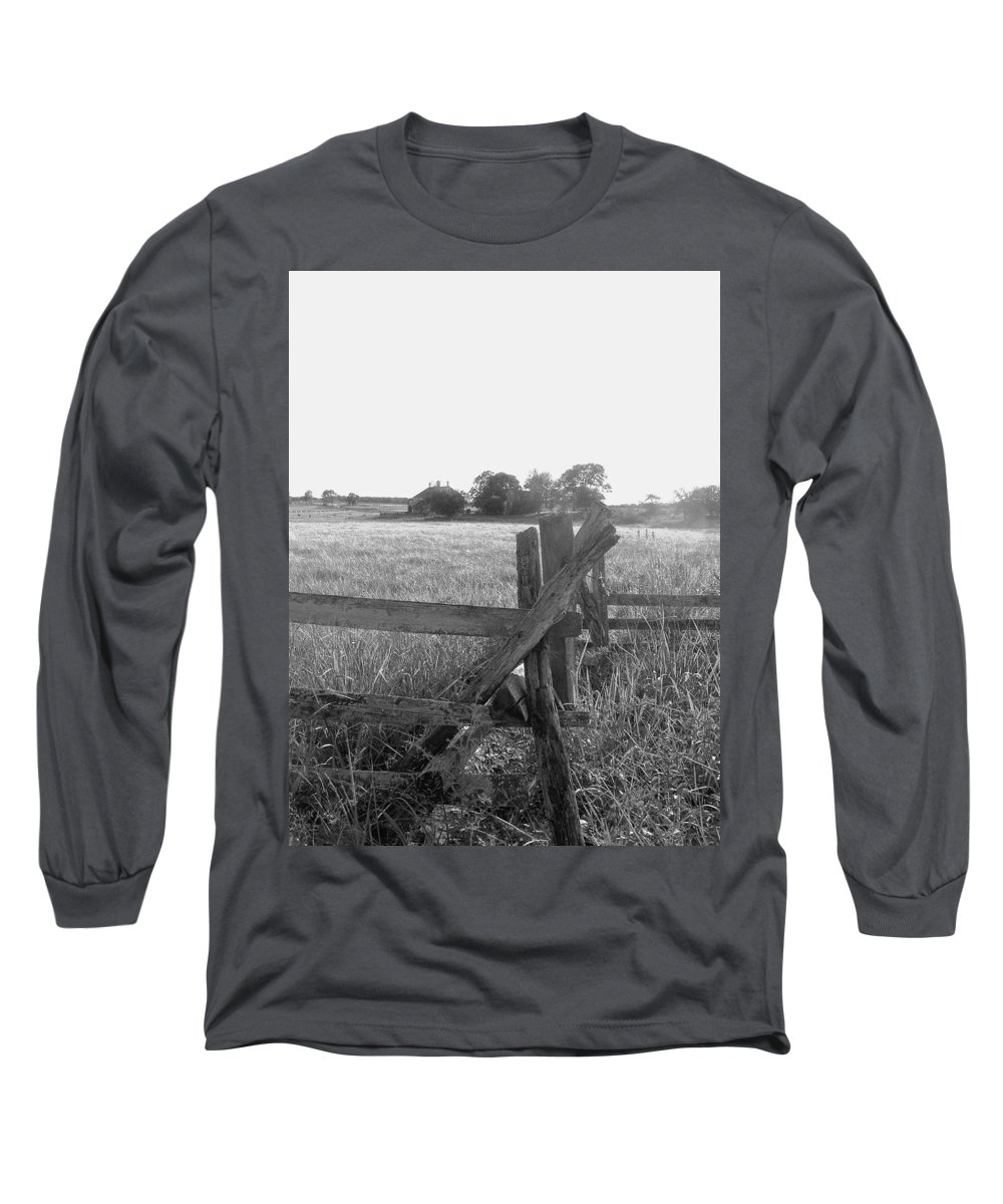 Gettysburg Long Sleeve T-Shirt featuring the painting Gettysburg Landscape by Eric Schiabor