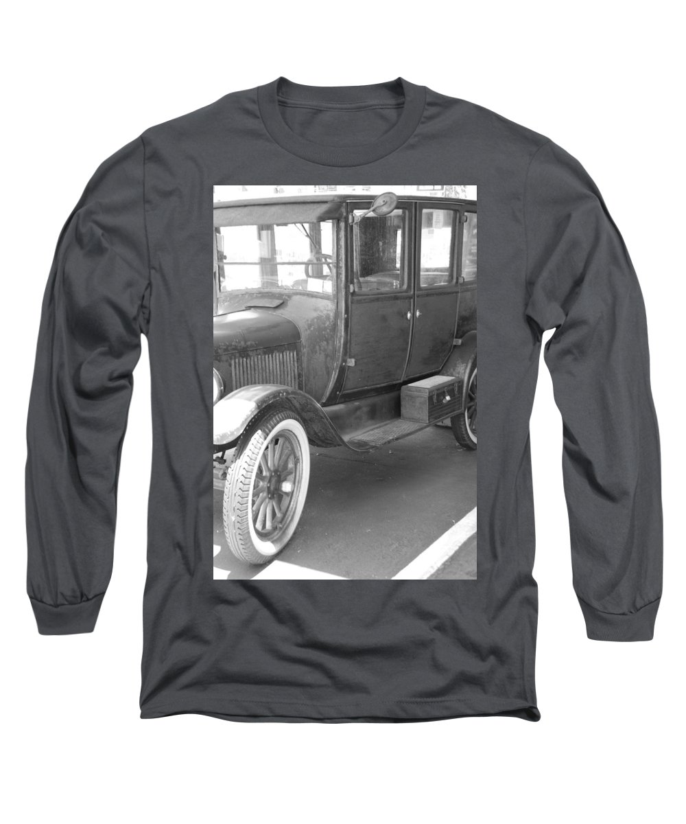 Black And White Long Sleeve T-Shirt featuring the photograph 1926 Model T Ford by Rob Hans
