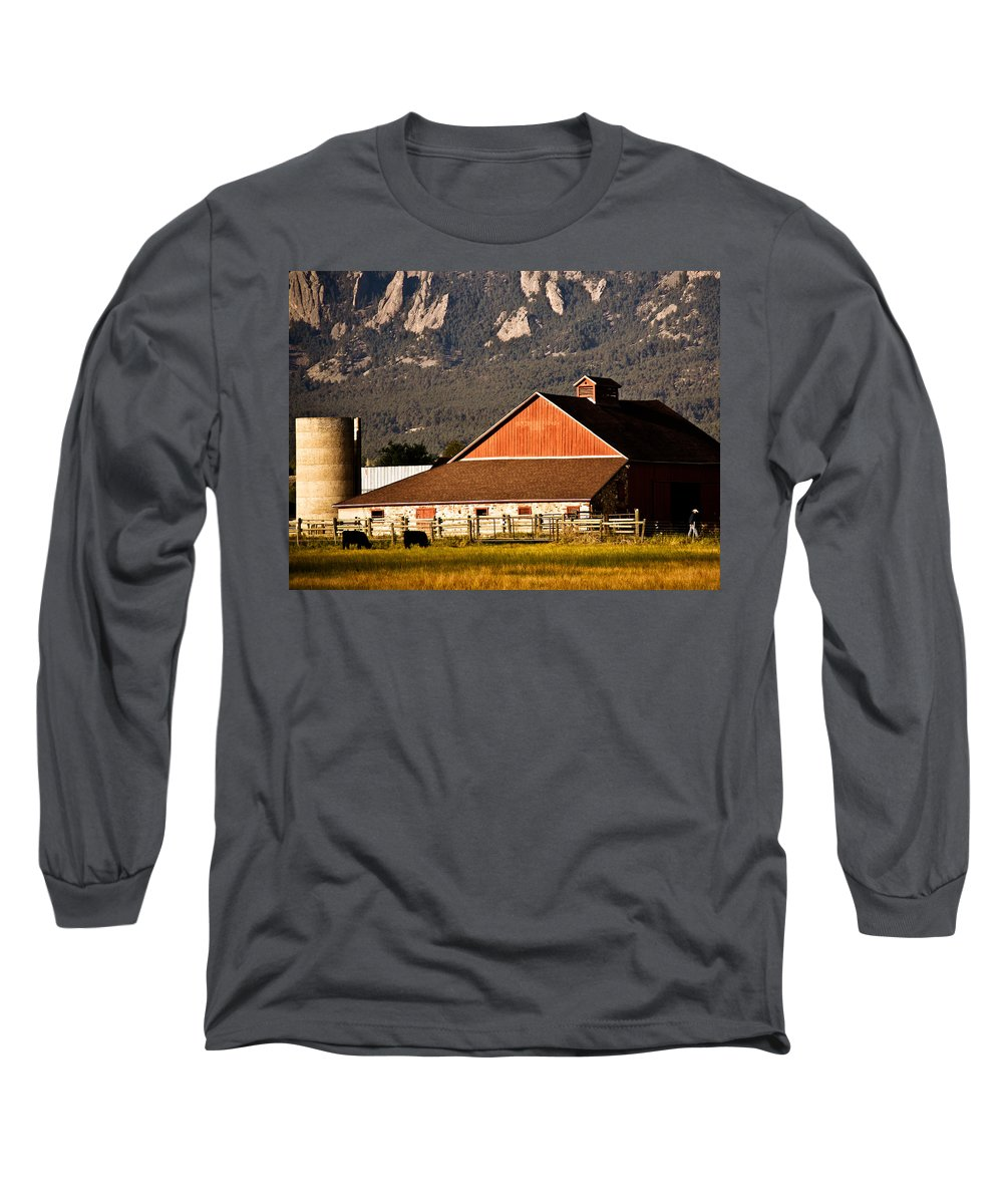 Americana Long Sleeve T-Shirt featuring the photograph Country Living Boulder County by Marilyn Hunt