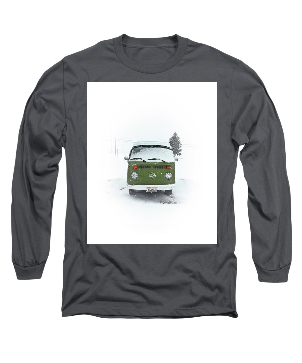 Vw Long Sleeve T-Shirt featuring the photograph Freezenugen by Andrew Weills