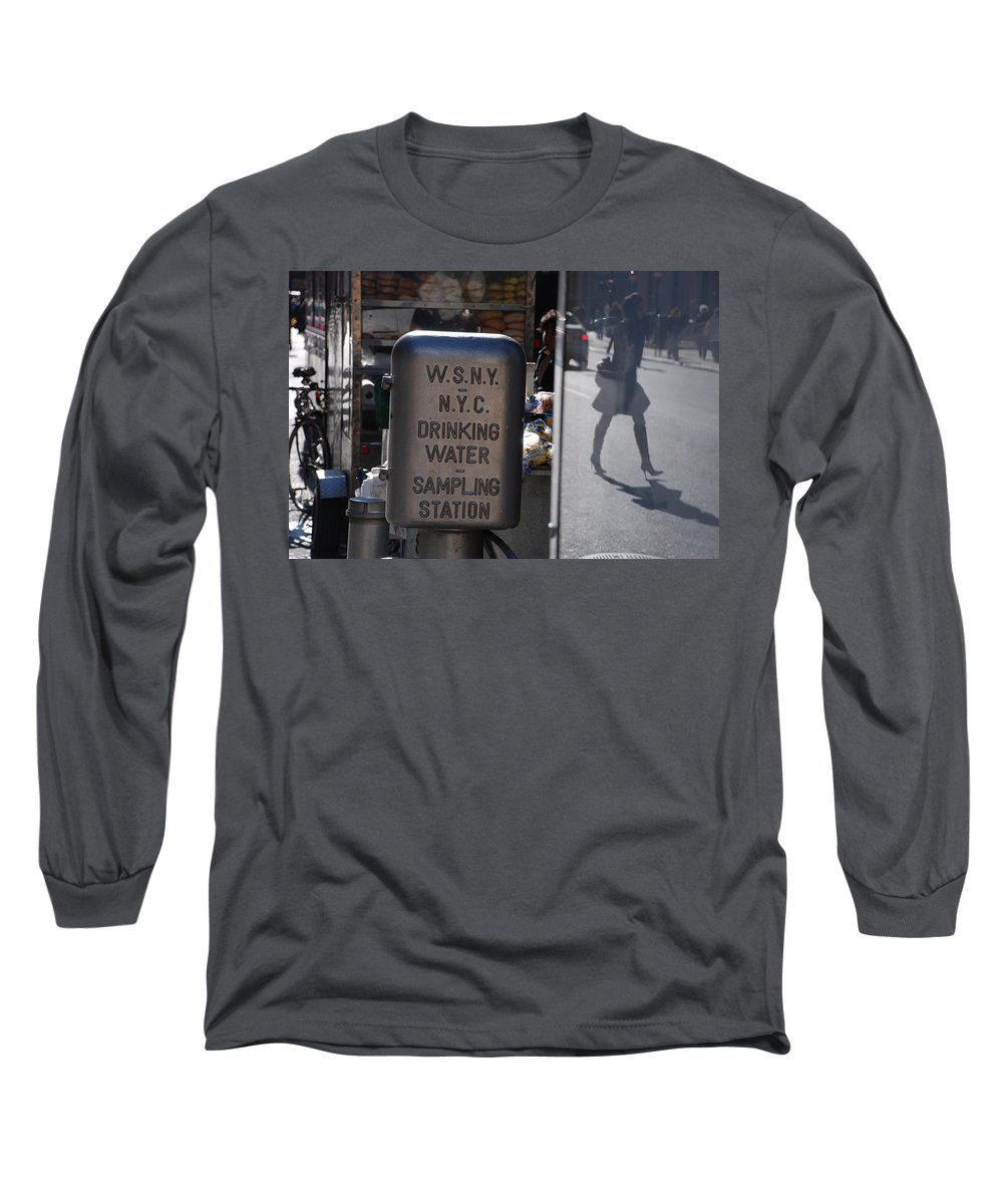 Street Scene Long Sleeve T-Shirt featuring the photograph Nyc Drinking Water by Rob Hans