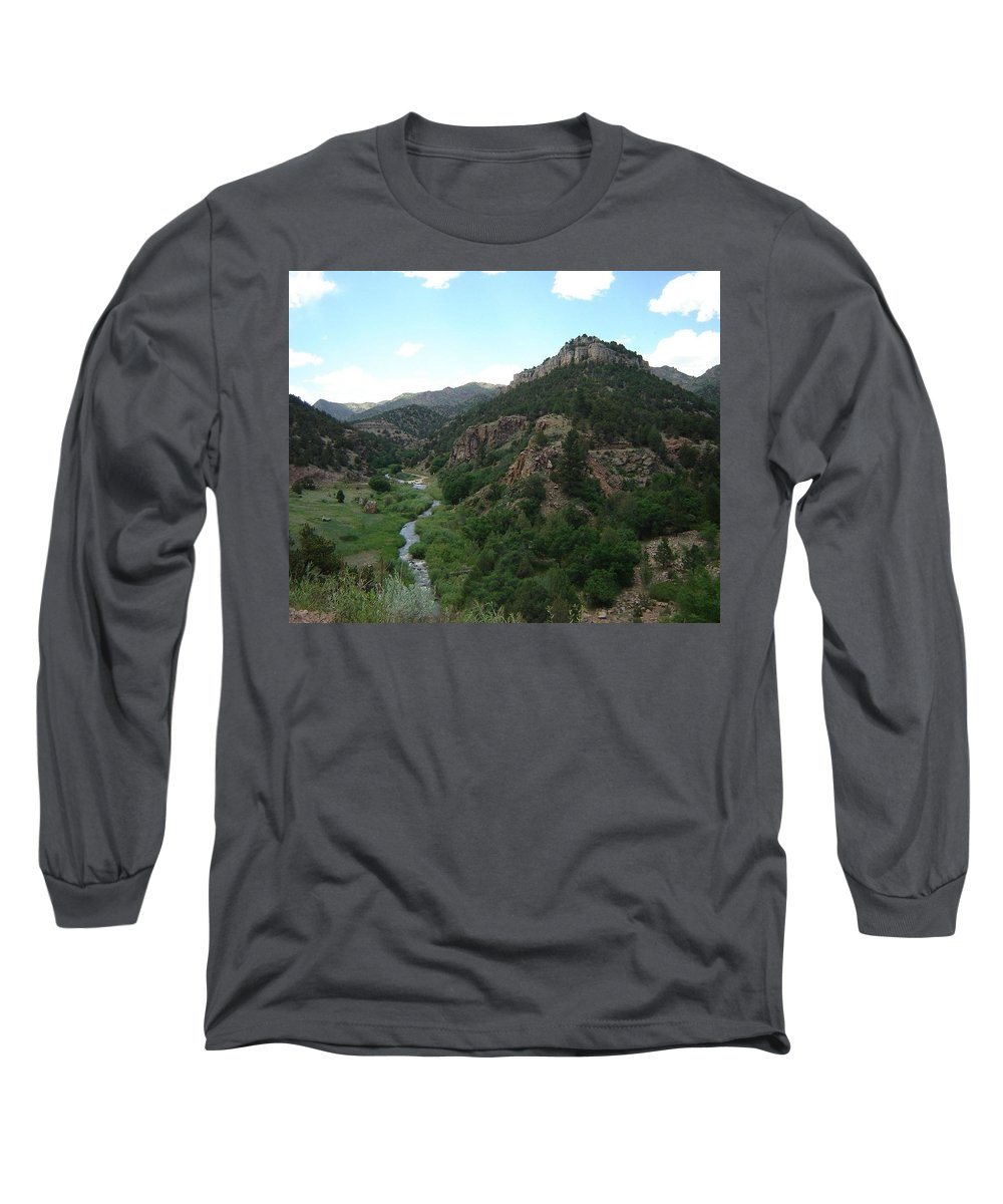 Shelf Road Long Sleeve T-Shirt featuring the photograph Shelf Road Vista by Anita Burgermeister