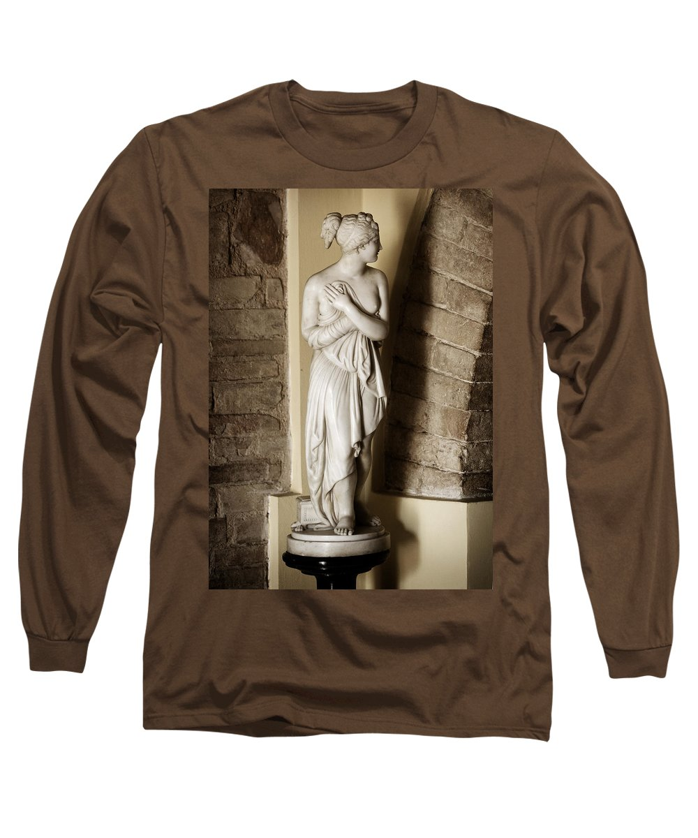 Statue Long Sleeve T-Shirt featuring the photograph Peering Woman by Marilyn Hunt