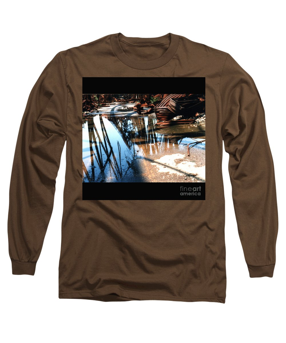 Cityscape Long Sleeve T-Shirt featuring the photograph Steel River by Ze DaLuz