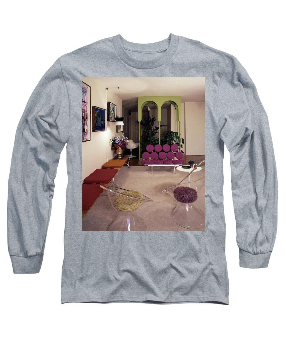 Eugene Tanawa Long Sleeve T-Shirt featuring the photograph A Retro Living Room by Tom Leonard