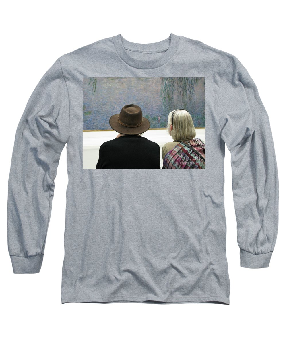 People Long Sleeve T-Shirt featuring the photograph Contemplating Art by Ann Horn