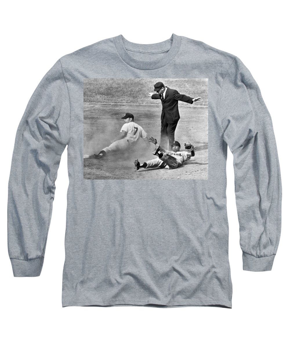 1961 Long Sleeve T-Shirt featuring the photograph Mickey Mantle Steals Second by Underwood Archives