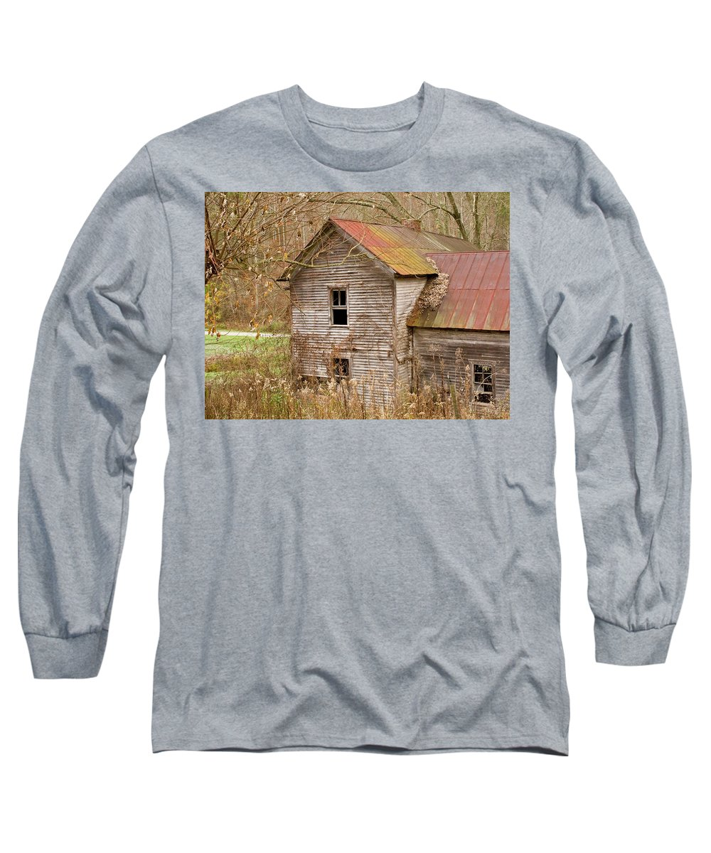 Abandoned Long Sleeve T-Shirt featuring the photograph Abandoned House With Colorful Roof by Douglas Barnett