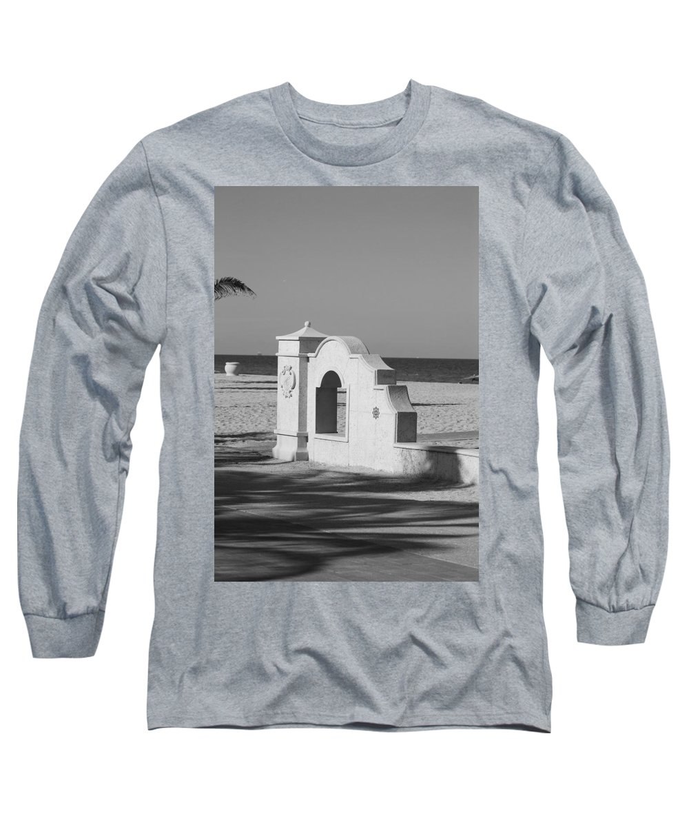 Black And White Long Sleeve T-Shirt featuring the photograph Hollywood Beach Wall by Rob Hans