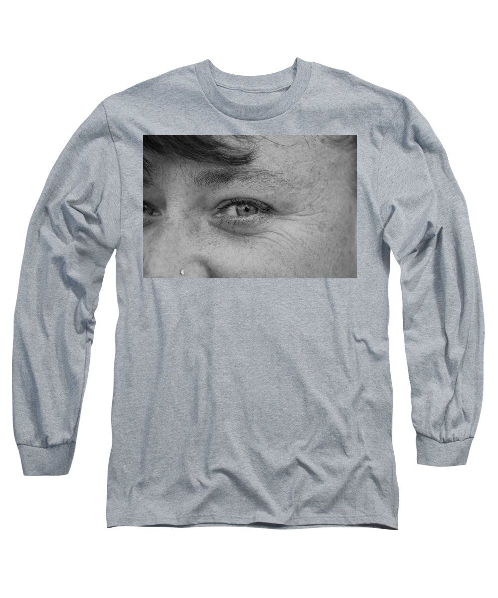 Black And White Long Sleeve T-Shirt featuring the photograph I See You by Rob Hans