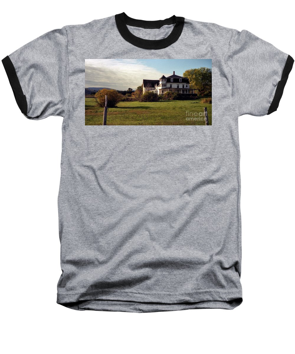 Vermont Baseball T-Shirt featuring the photograph Vermont Farmhouse by Richard Rizzo