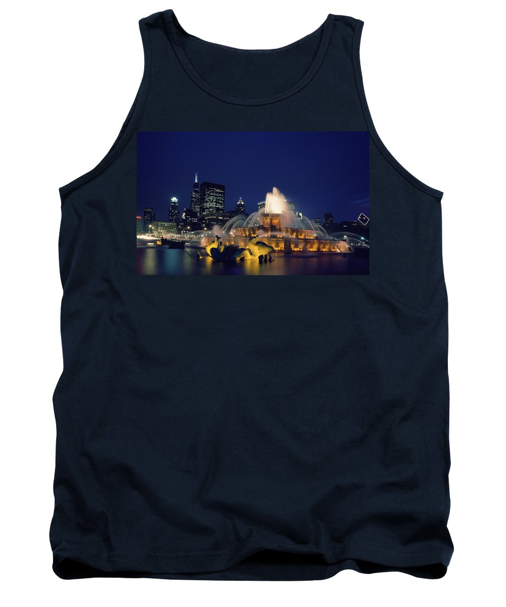 Chicago Tank Top featuring the photograph Evening At Buckingham Fountain - Chicago by Mountain Dreams