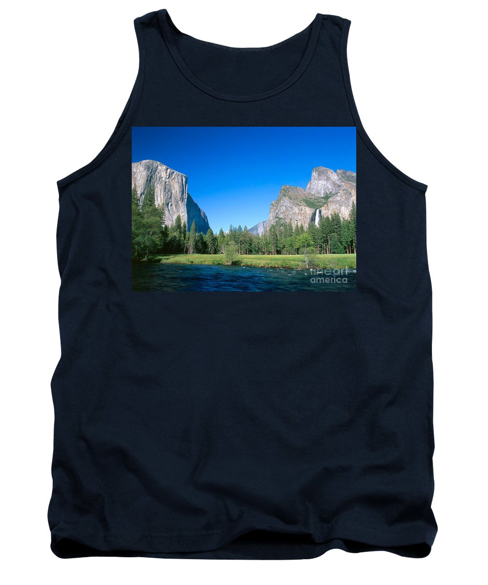 El Capitan Tank Top featuring the photograph Yosemite Valley by David Davis