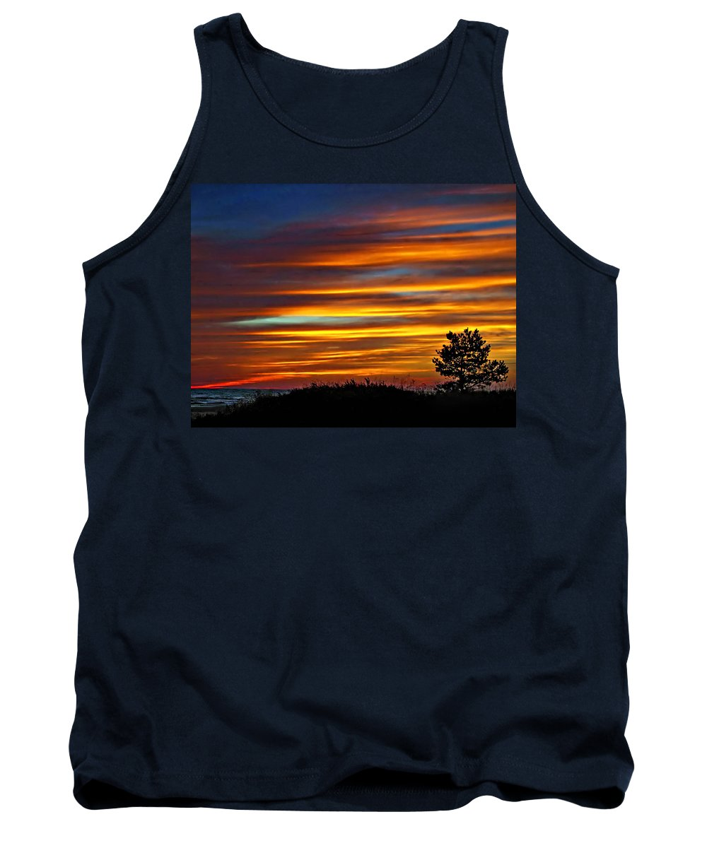 Sunset Tank Top featuring the photograph A Night To Remember by Steve Harrington