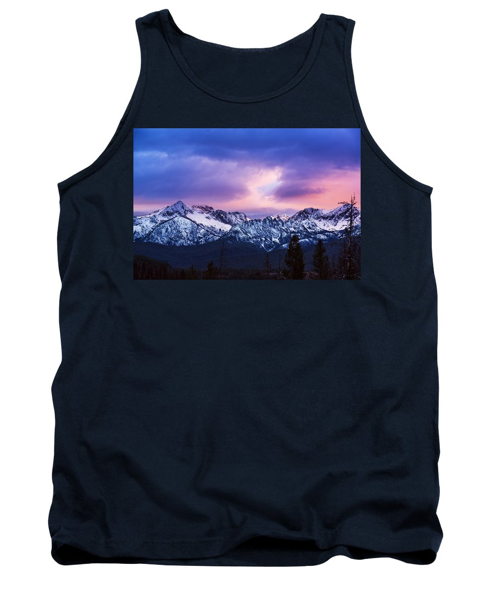 Sawtooth Mountain Range Tank Top featuring the photograph Dramatic Sawtooth Sunset by Vishwanath Bhat