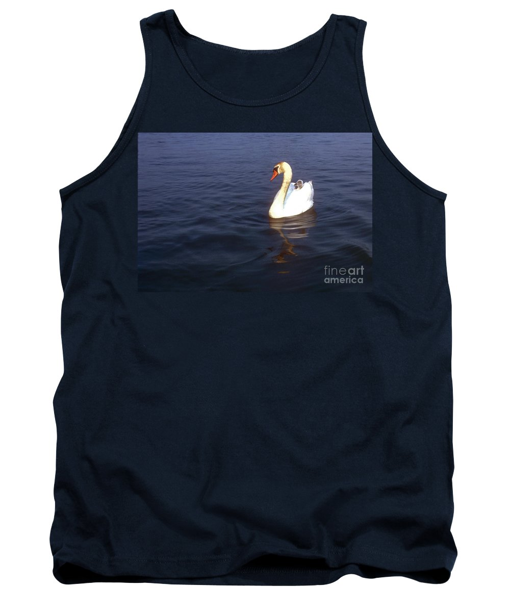 Giethoorn Netherlands Holland Swan Swans Chick Chicks Animal Animals Creature Creatures Bird Birds Baby Babies Water Reflection Reflections Waterscape Waterscapes Tank Top featuring the photograph Peeking Over by Bob Phillips