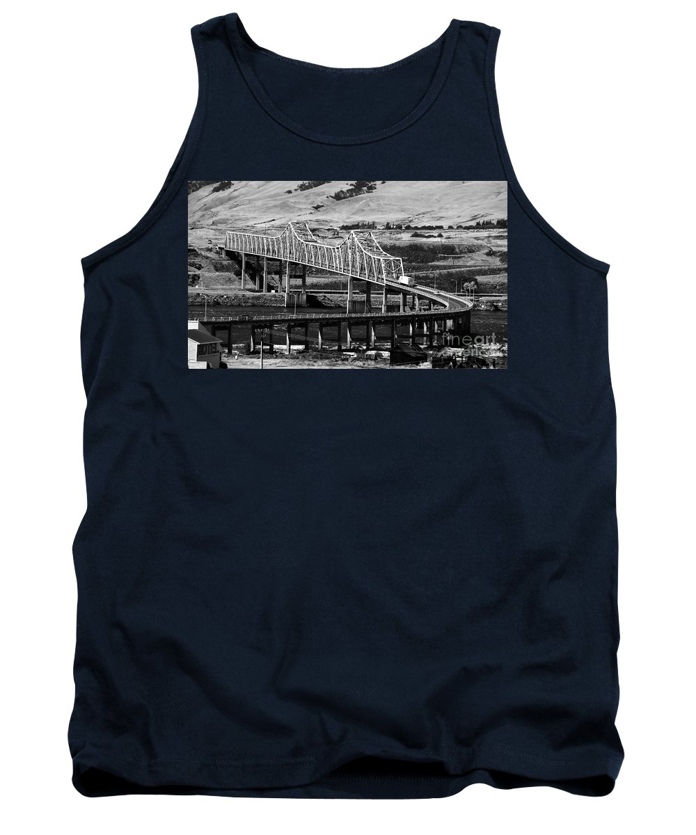Columbia River Tank Top featuring the photograph Columbia River Crossing by David Lee Thompson