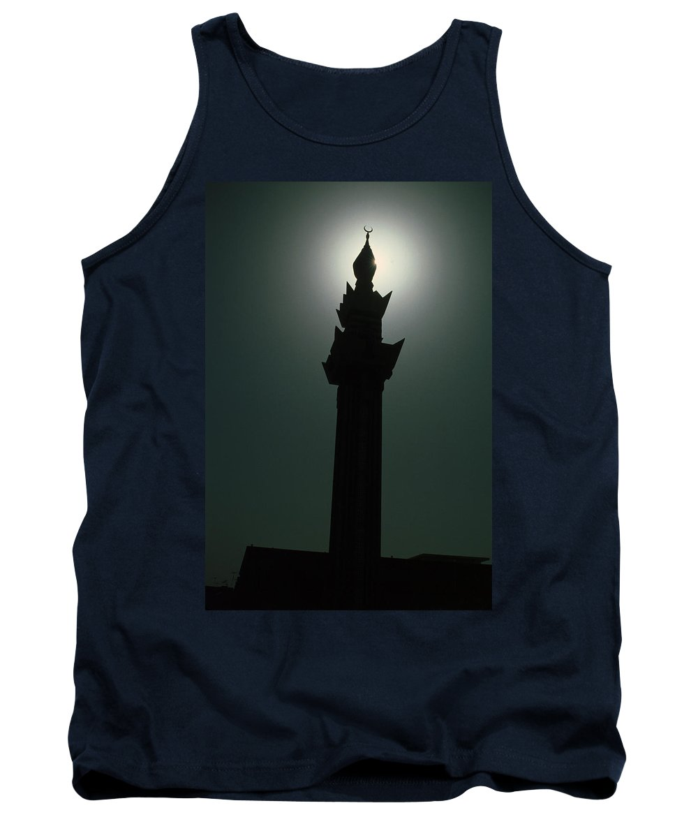 Muslim Tank Top featuring the photograph Dharhan Minarette by Jerry McElroy