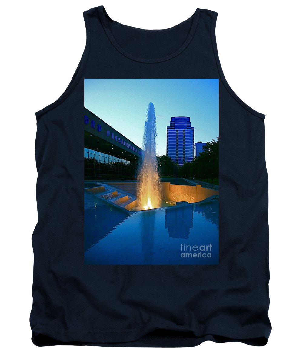 Ford Muesam Tank Top featuring the photograph Grand Rapids Mi-2 by Robert Pearson