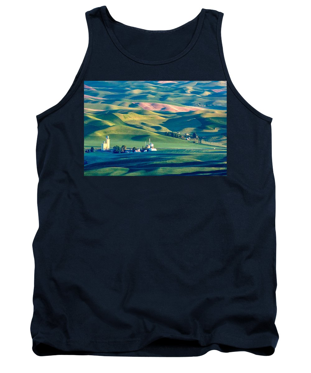 Steptoe Tank Top featuring the photograph Steptoe View by Todd Klassy