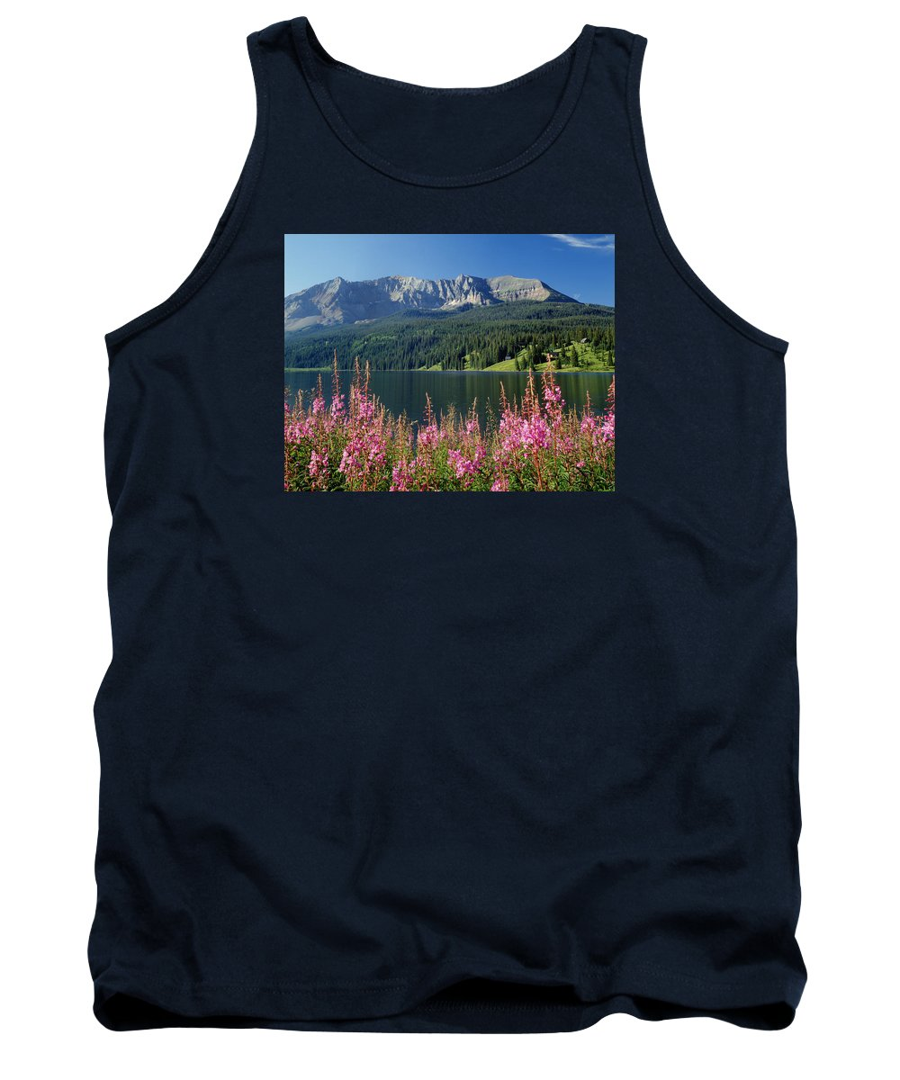 Trout Lake Tank Top featuring the photograph 310658-trout Lake And Sheep Mountain by Ed Cooper Photography