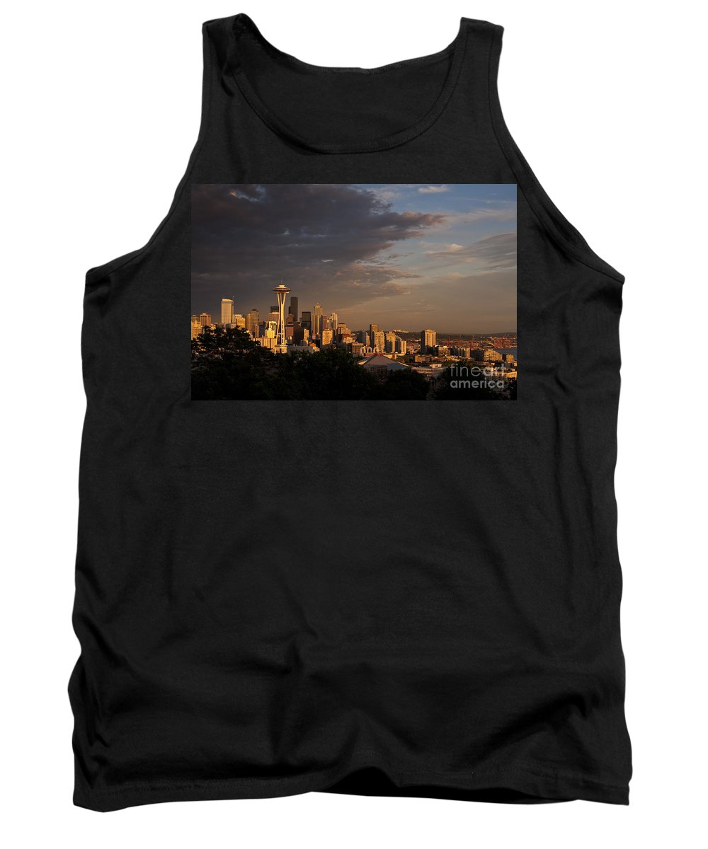 Kerry Park Tank Top featuring the photograph Seattle Skyline With Space Needle And Stormy Weather With Mount by Jim Corwin