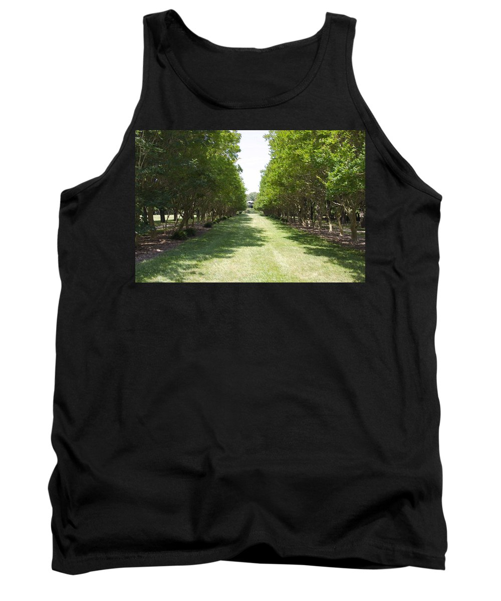 Favorite Spot In The Gardens Tank Top featuring the painting Norfolk Botanical Garden 2 by Jeelan Clark