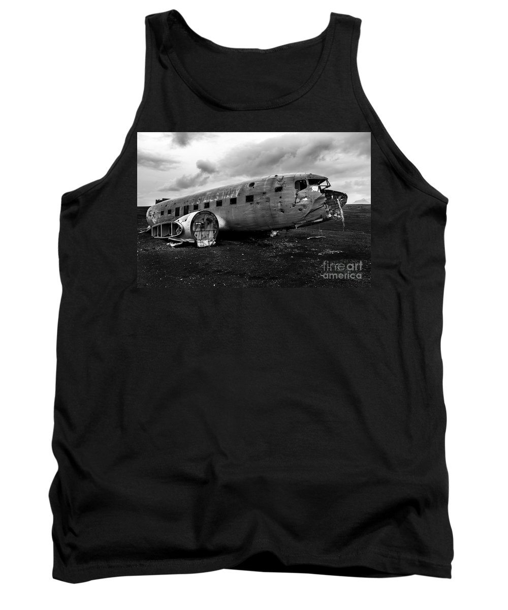 Dc 3 Tank Top featuring the photograph Dc-3 Iceland by Gunnar Orn Arnason