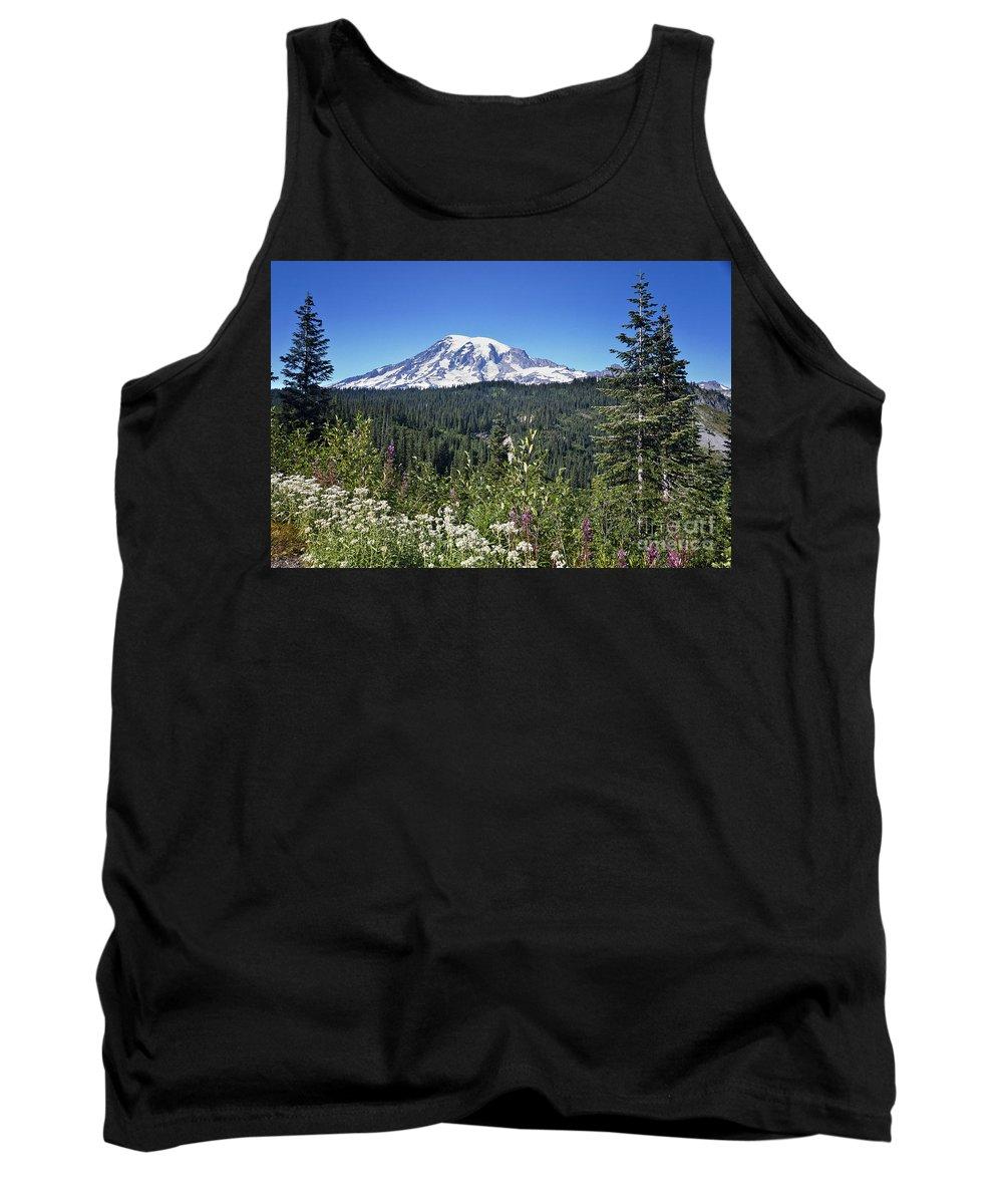 Cascades Mountains Tank Top featuring the photograph Mount Ranier by Ronald Lutz