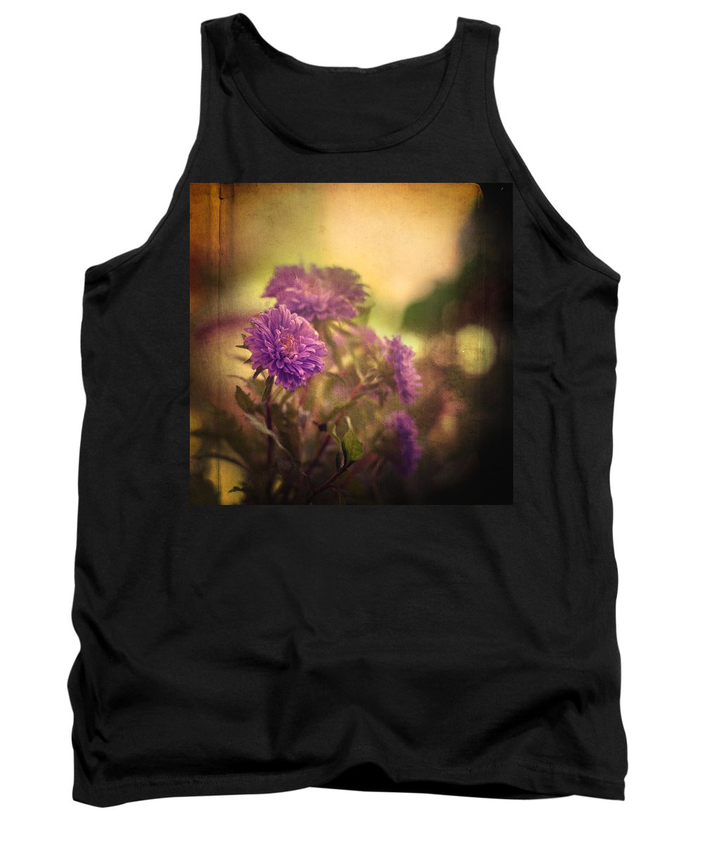 Floral Tank Top featuring the photograph Amnesia by Zapista