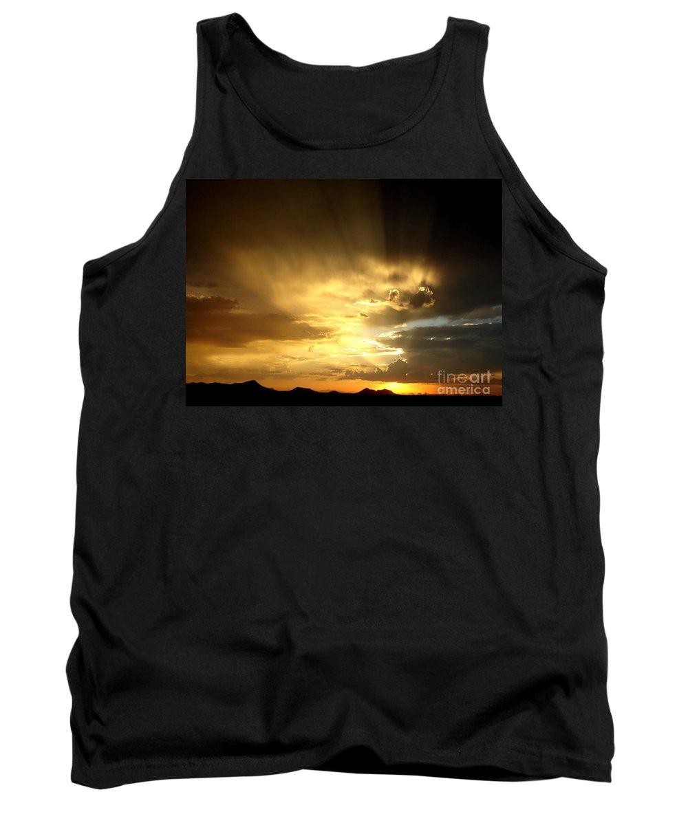 Horizon Tank Top featuring the photograph Arizona Sunset by Kerri Mortenson