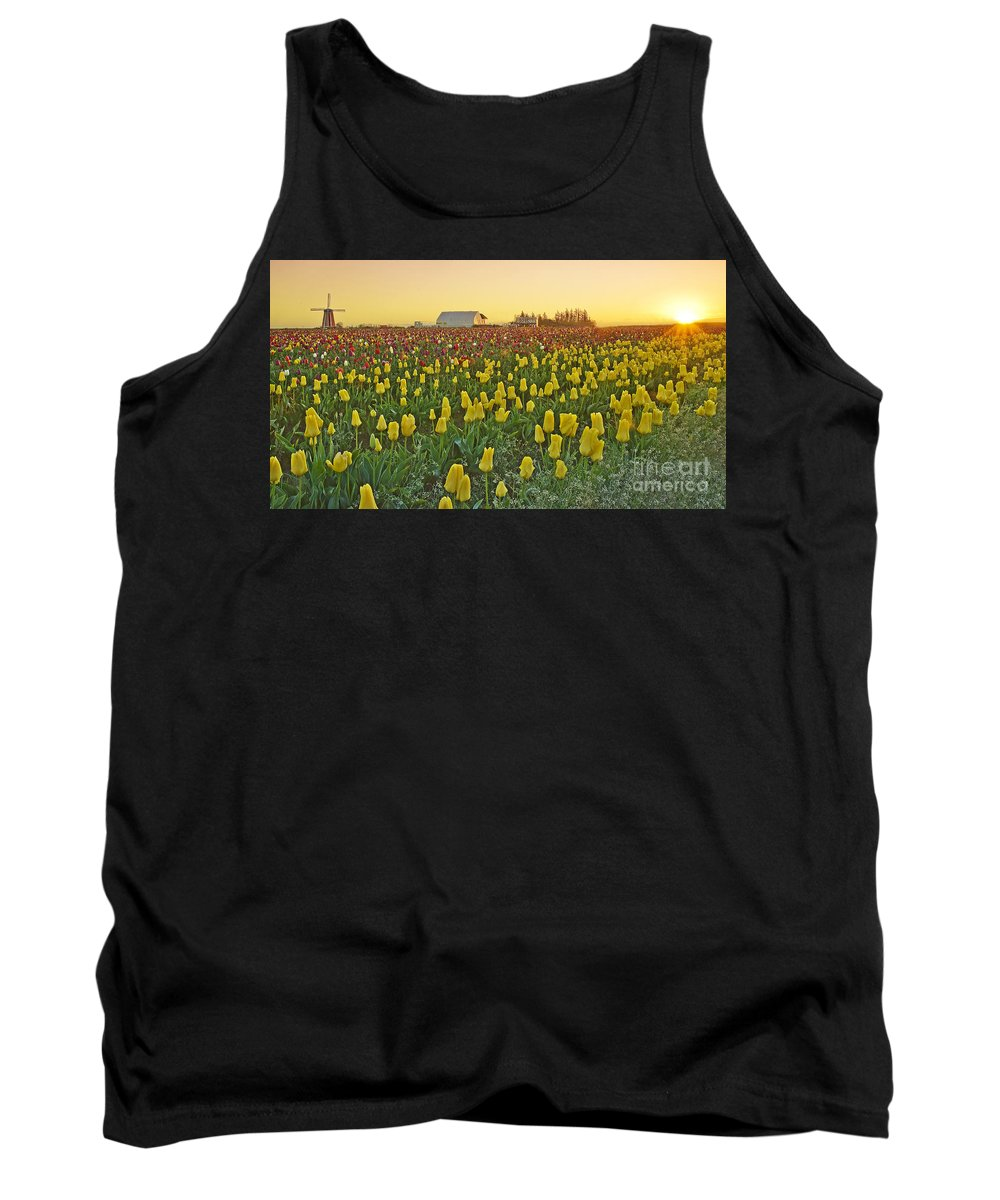 Pacific Tank Top featuring the photograph At The Crack Of Dawn by Nick Boren